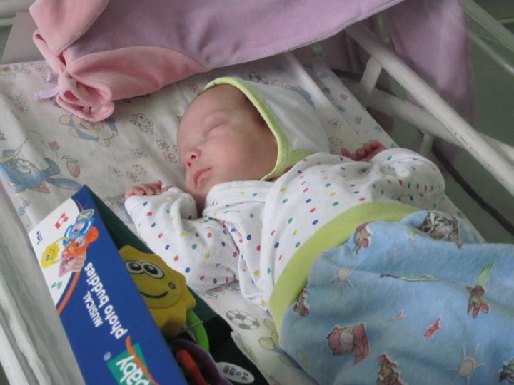Фото брошенных новорожденных в роддоме