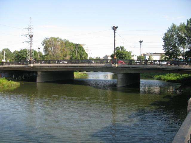 Жители Харькова просят провести ремонт моста через Московский проспект
