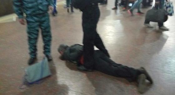 В парке Горького на ретро-площадке произошла массовая драка фото 2