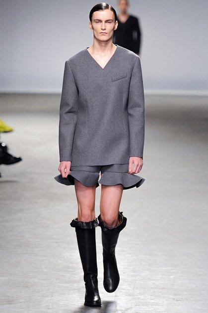 Костюм мужской в юбках