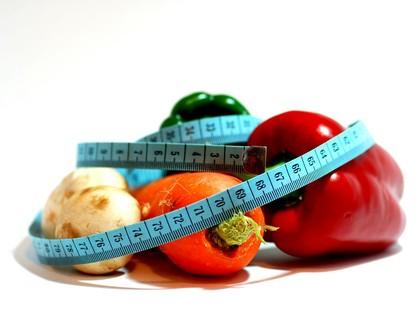 Это сначала есть правильную пищу тяжело. А потом привыкаешь, ведь что может быть лучше ощущения собственной стройности?