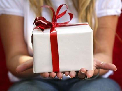 И помните, дамы, после 23 февраля приходит 8 марта, а вместе с ним – расплата за ваш подарок!