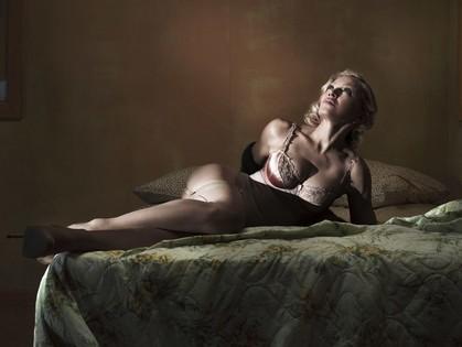 Также Мадонна высветлила брови, но кого это интересует в таком контексте?:)
