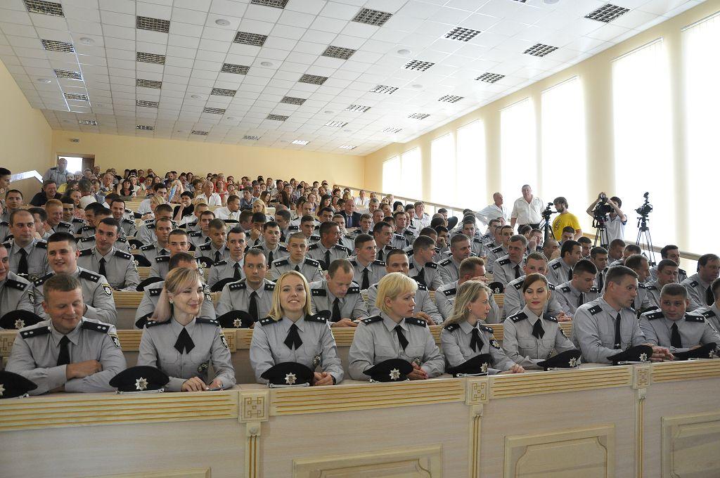 ВХарькове выпустили спецагентов иинспекторов киберполиции