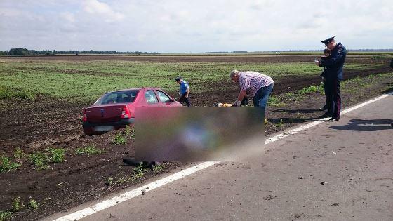 Под Харьковом машина влетела вгруппу ремонтников: трое погибших