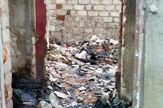 НаАлексеевке впроцессе пожара умер человек: еще троих эвакуировали cотрудники экстренных служб