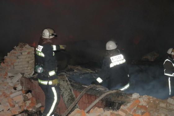 ГСЧС: ВХарькове ночью горел мебельный склад
