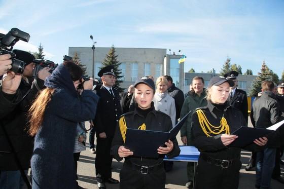Харьковские правоохранители получили сертификаты нановые квартиры