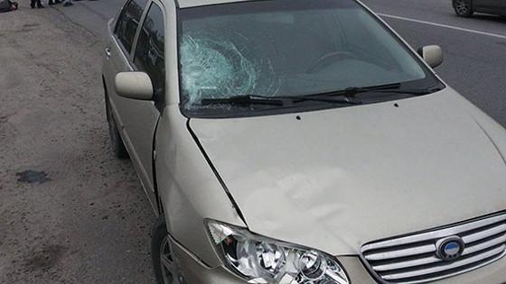 НаМерефянском Шоссе под колесами авто погибла женщина