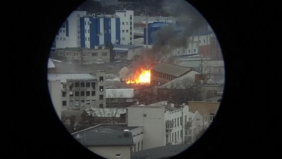 ВХарькове пламенеют складские помещения, эвакуированы 50 человек