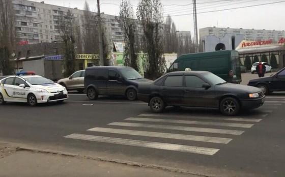 Произошла авария с участием машины патрульных полицейских (ФОТО)