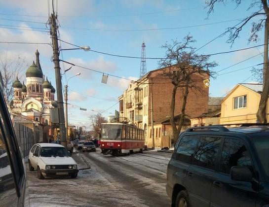 В очередной раз трамвай сошел с рельсов (ФОТО)