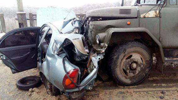 ВХарькове случилось тройное ДТП сучастием фургона, необошлось без жертв