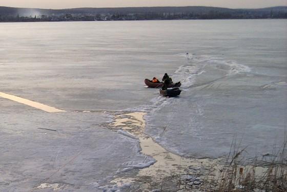 НаХарьковщине четверо рыбаков провалились под лед