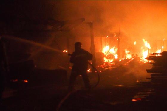 НаХарьковщине бушует масштабный пожар, под угрозой населенные пункты