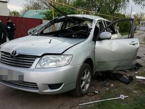 В Харькове мужчина бросил гранату в авто