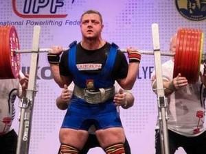 По сумме троеборья Сергей поднял 1092.5 кг
